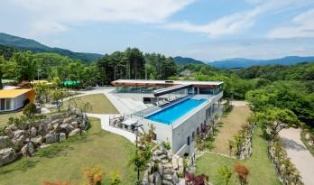 """""""魅力绿林""""度假村,韩国 / ArchiWorkshop"""