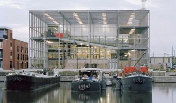 比利时框架学校:一座活力社区公园 / Xaveer De Geyter Architects
