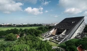 """泰国农业部金禧年博物馆,""""倾倒""""的大楼 / Plan Architect"""