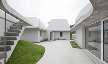 双生异构住宅,韩国 / a round architects
