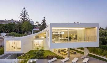 葡萄牙 Dorfler 住宅,大胆而优雅的曲线 / Vitor Vilhena Arquitectura