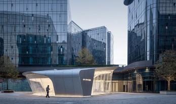 """上海虹桥首个当代艺术馆:一只""""机翼"""",跳脱于方盒子城市肌理 / 三益设计"""