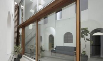 日本密集住宅区的房屋空间巧思 / Toshihiro Aso Design Office