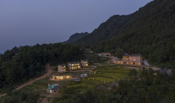 可居可游,在半山稻田之间:重庆垫江巴谷宿集建筑设计 /  三文建筑
