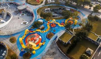 """金马仙踪,一种新型公共空间""""城市玩具"""" / 佰筑设计"""