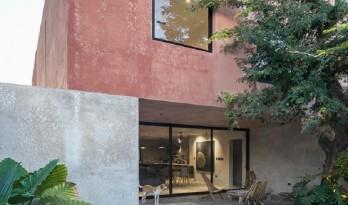 地域性建筑01 | 墨西哥红色混凝土住宅,一处诗意庇护所