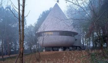 蘑菇木屋 / 休耕建筑