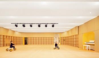 极具分寸感的幼儿园空间:墨伊教育中心 / TOPOS DESIGN