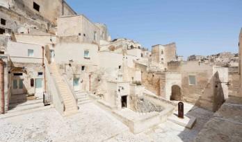 Aquatio 洞穴酒店与水疗中心 / Simone Micheli