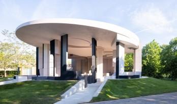 2021年蛇形画廊出炉,由南非设计师Sumayya Vally操刀的多文化集合体