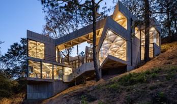 体块的协奏曲:墨西哥蚕园/LAMZ Arquitectura