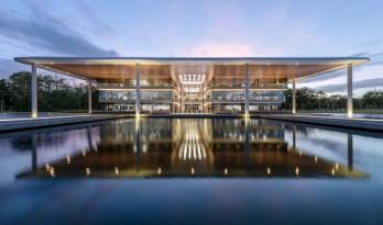 美国PGA巡回赛总部 / 福斯特建筑事务所