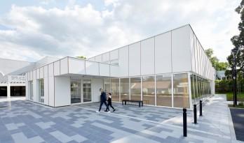 法国第一座大麻混凝土砌块体育馆/Lemoal Lemoal Architectes