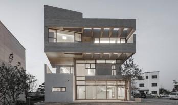 L.M住宅 / DESIGN GROUP COLLABO