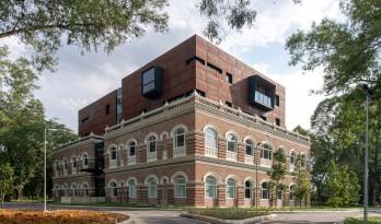 从殖民建筑空壳中再生,Sentul 耐候钢办公楼 / O2 Design Atelier + YTL Land & Development