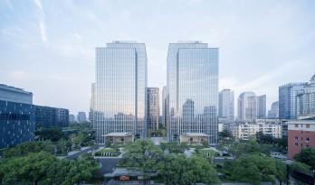 谦和的城市原点,杭州滨绿大厦 / gad