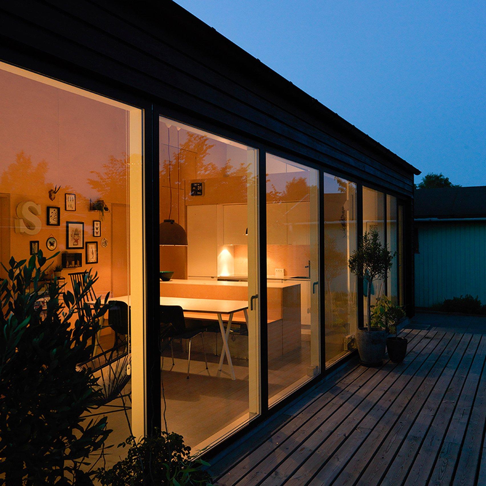 Sorte-Hus-Sigurd-Larsen-dezeen-low-cost-housing-sq-852x852.jpg