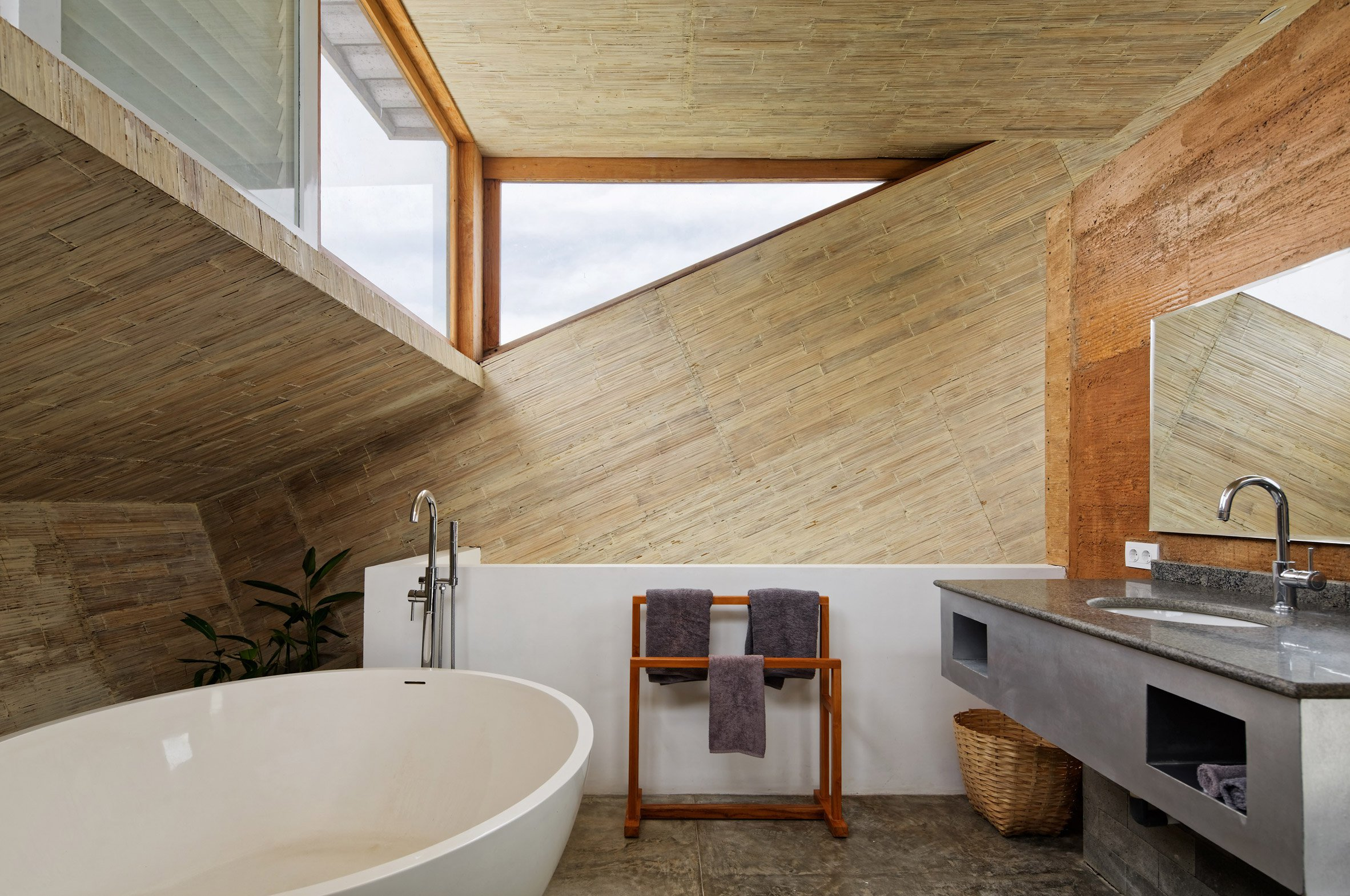 clay-house-budi-pradono-architects-architecture_dezeen_2364_col_16-1704x1131.jpg