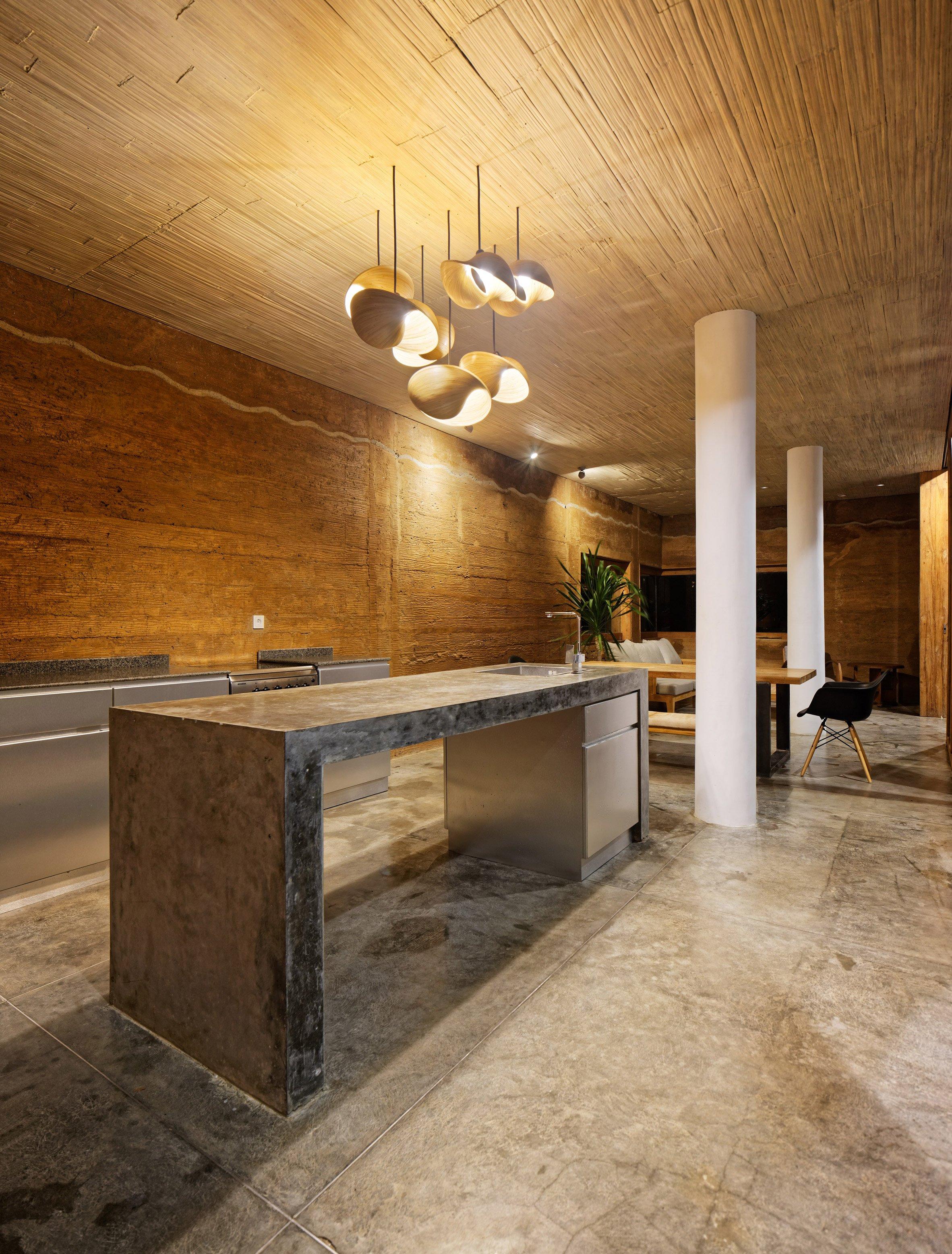 clay-house-budi-pradono-architects-architecture_dezeen_2364_col_10-1704x2244.jpg