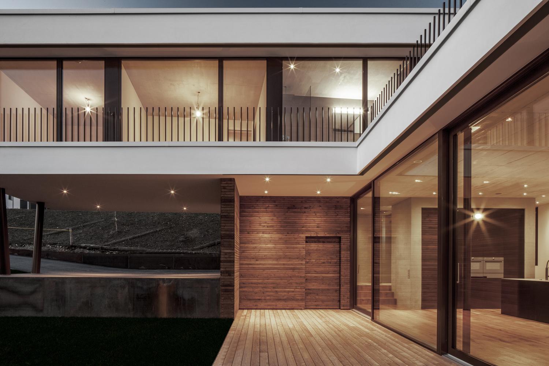 Tormen_Architekten_EFH_Riedholz_-_Archdaily_exterior_4.jpg