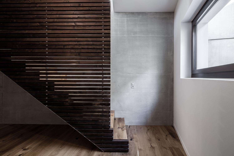 Tormen_Architekten_EFH_Riedholz_-_Archdaily_interior_7.jpg