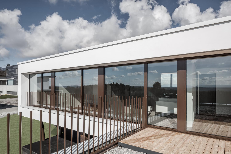 Tormen_Architekten_EFH_Riedholz_-_Archdaily_exterior_9.jpg