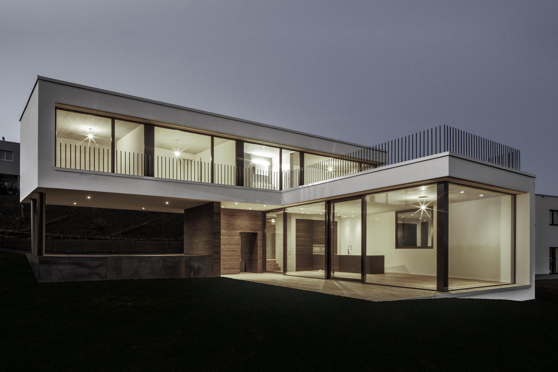 Tormen_Architekten_EFH_Riedholz_-_Archdaily_exterior_1.jpg