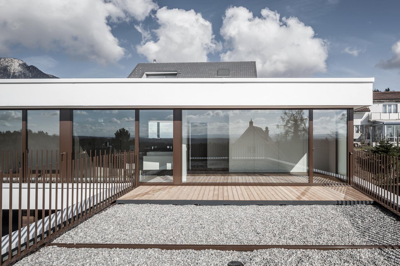 Tormen_Architekten_EFH_Riedholz_-_Archdaily_exterior_8.jpg