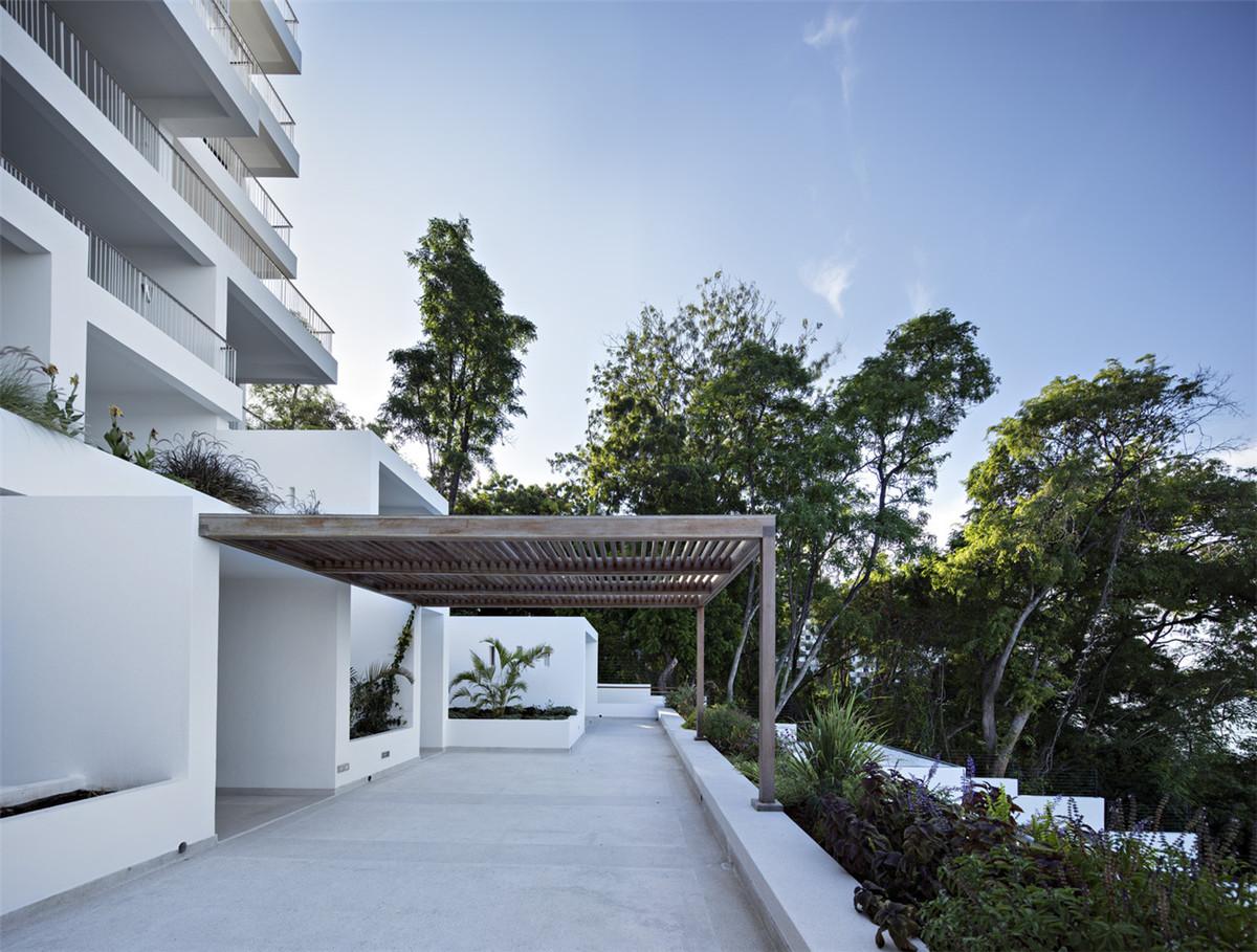 Urko_Sanchez_Architects_-_Tudor_Apartments_06 (1).jpg