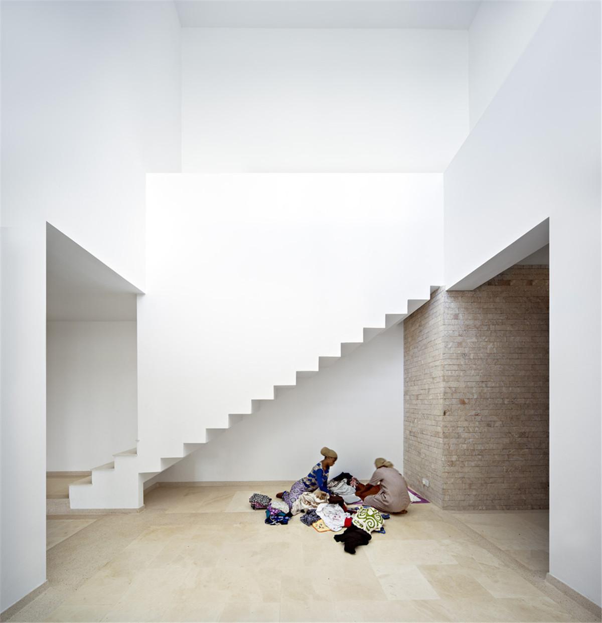 Urko_Sanchez_Architects_-_Tudor_Apartments_09.jpg