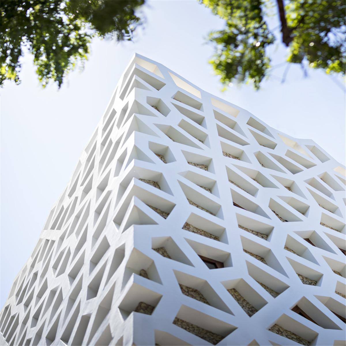 Urko_Sanchez_Architects_-_Tudor_Apartments_00.jpg