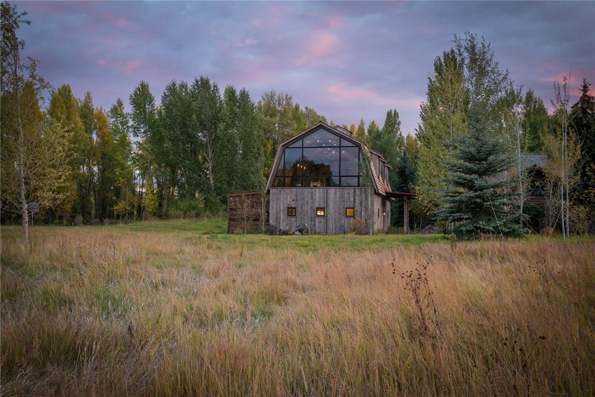 the-barn-carney-logan-architects_dezeen_2364_col_8.jpg