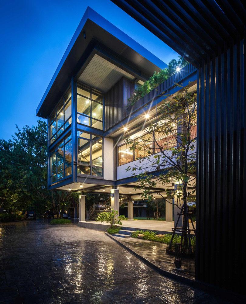 架空建筑_一楼是一个公共区域,被设计为架空,这样视线就能穿过建筑,到达对面的
