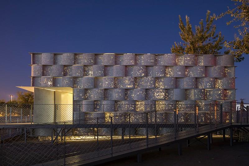 砼器-01-夜景-建筑表皮为透光混凝土.jpg