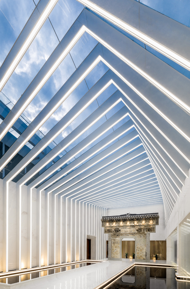 05_光之隧道_Light Tunnel Center Space.jpg