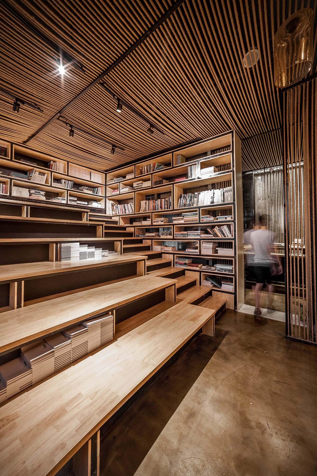 07_台阶图书区_Reading Staircase.jpg