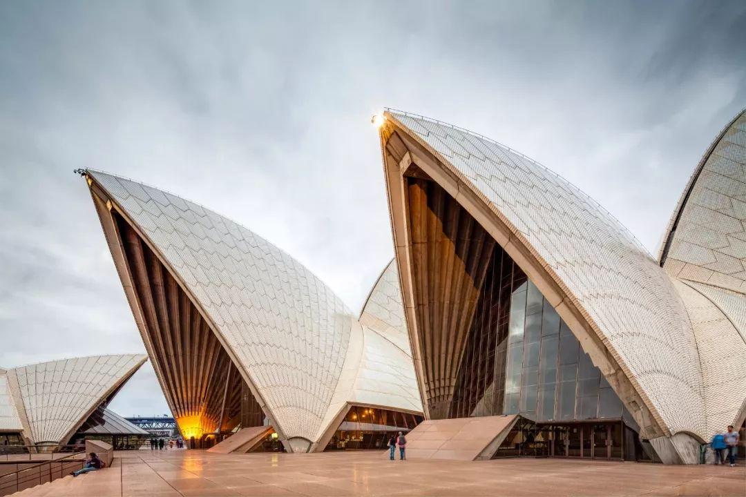 他设计了悉尼歌剧院,为何到去世都没能再去看看?图片