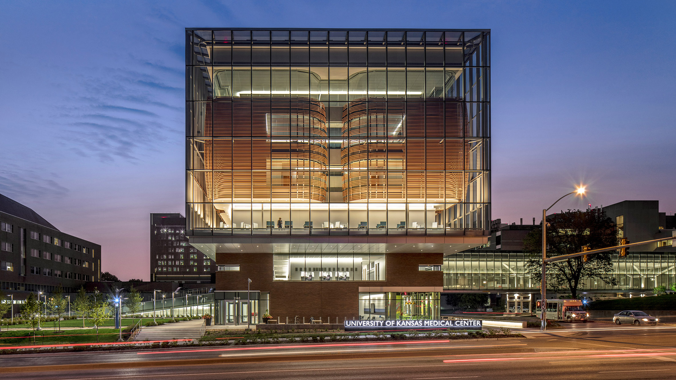 medical-center-university-of-kansas-co-architects-architecture-kansas-city-usa_dezeen_2364_hero2-852x479.jpg