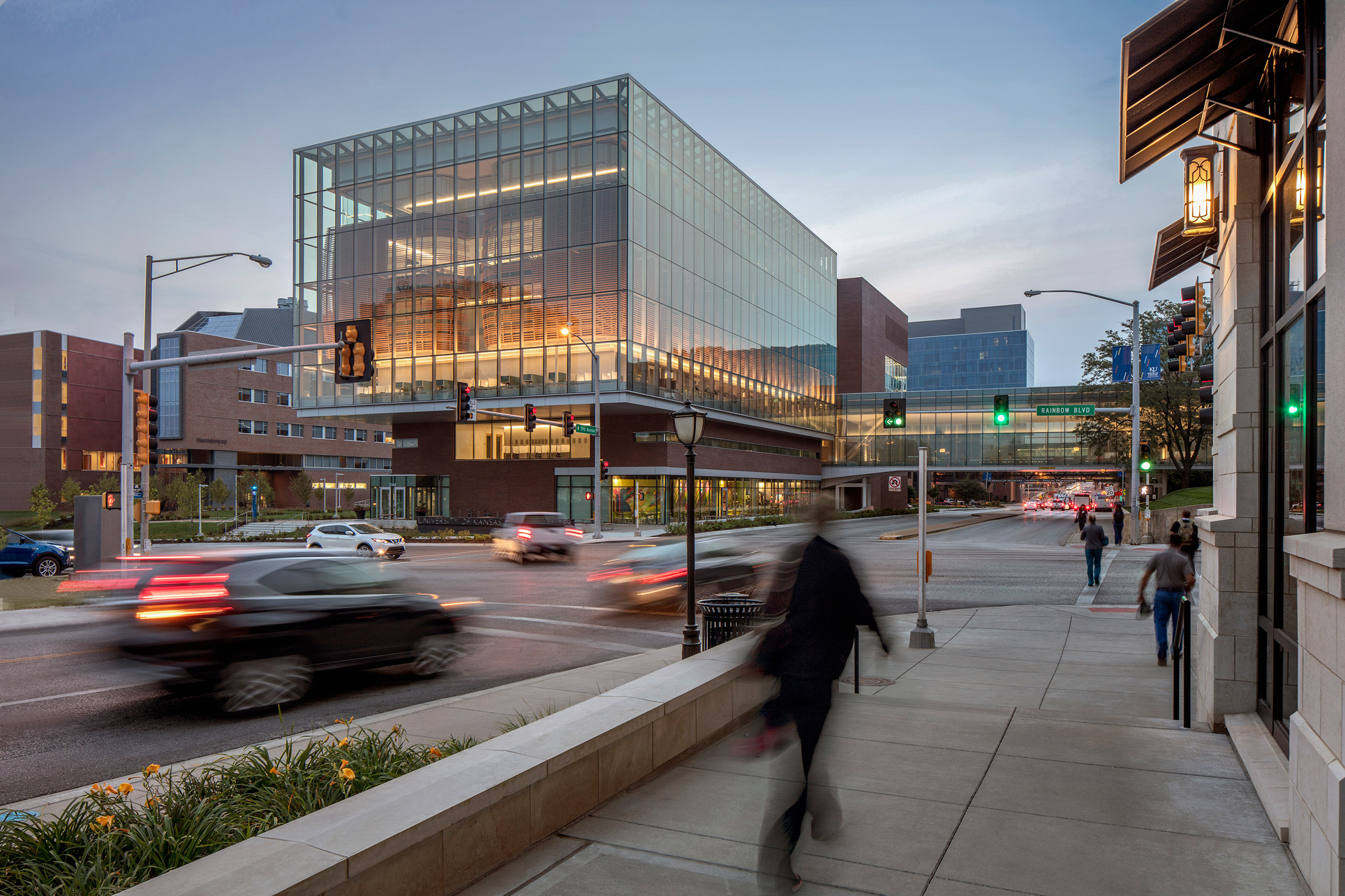 medical-center-university-of-kansas-co-architects-architecture-kansas-city-usa_dezeen_2364_col_1-852x568.jpg