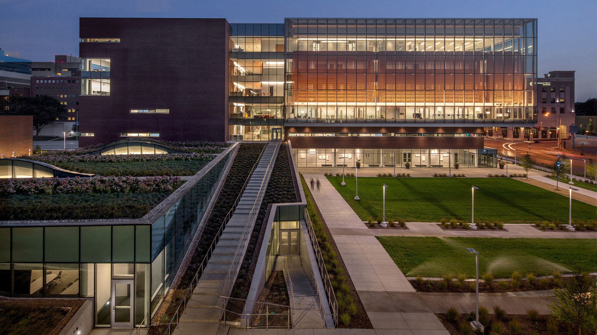 medical-center-university-of-kansas-co-architects-architecture-kansas-city-usa_dezeen_2364_col_3-852x479.jpg