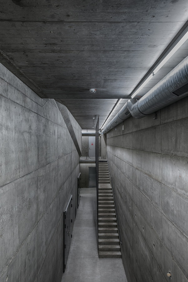 调整大小 10_Foyer_reverberation_chamber.jpg