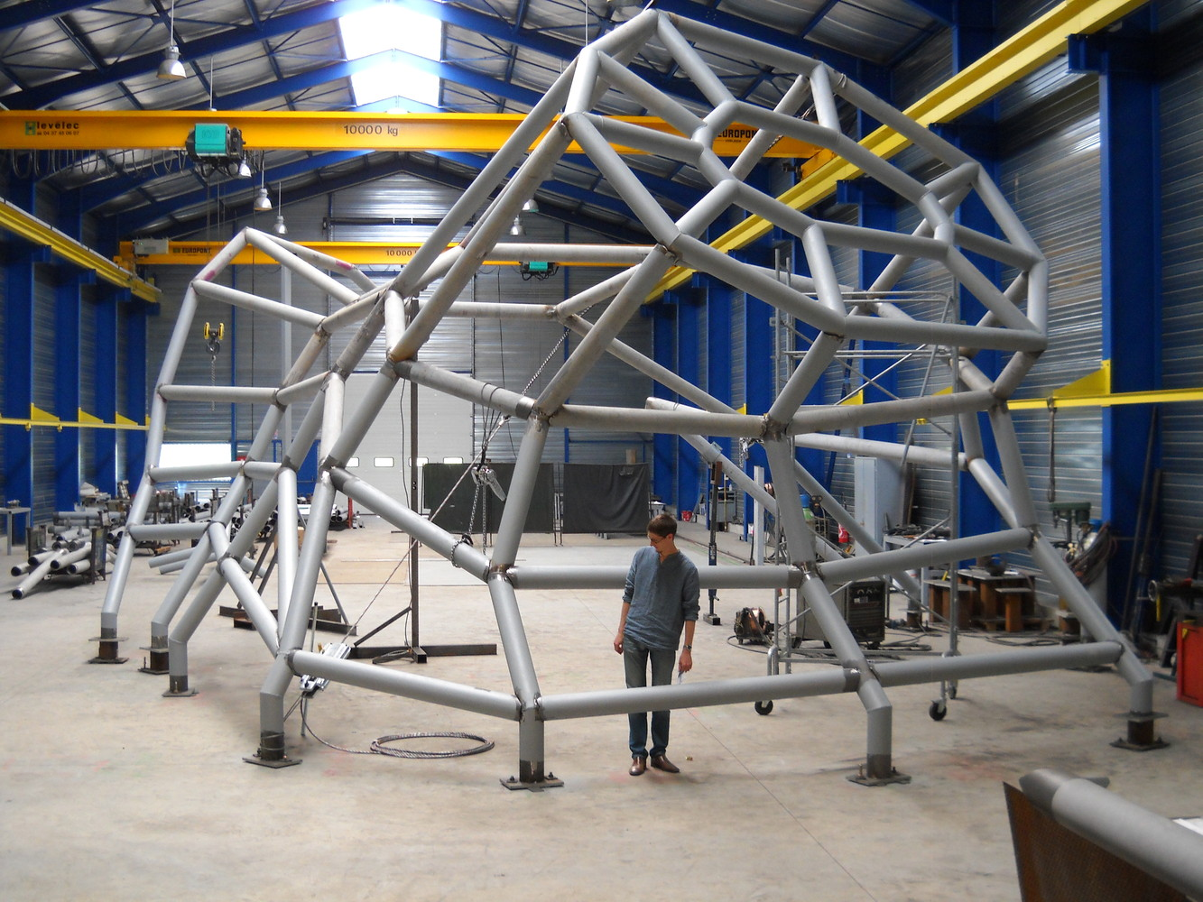 Pre-assembly_of_the_structure_in_the_workshop_∏_Jakob_MacFarlane.jpg