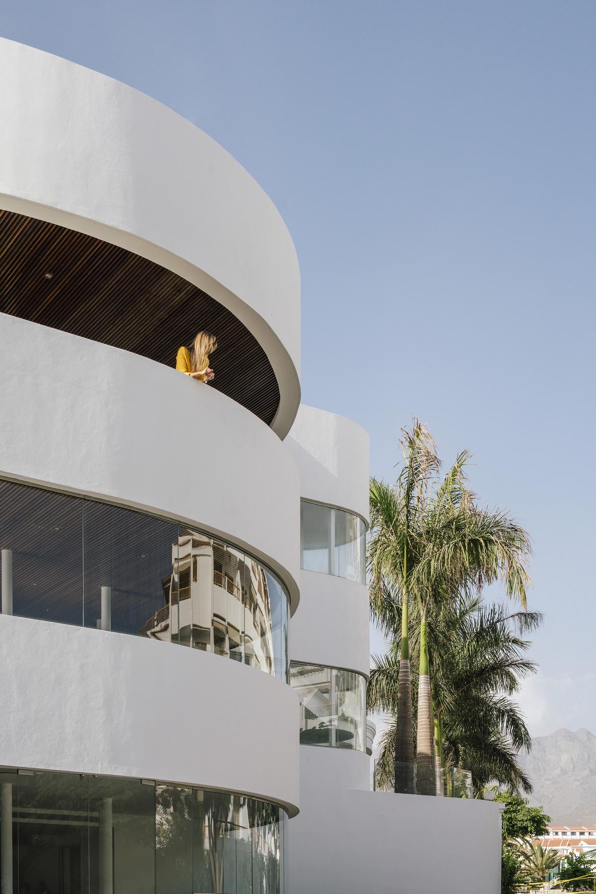 純粹線條創造的優雅體量:弗拉明戈俱樂部酒店/ZoocoEstudio插图12