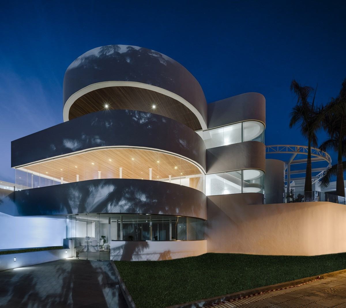 純粹線條創造的優雅體量:弗拉明戈俱樂部酒店/ZoocoEstudio插图13