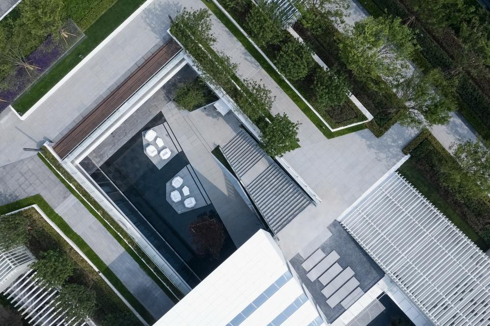 调整大小 15.庭院中的台阶与亲水平台 .直译建筑摄影.jpg