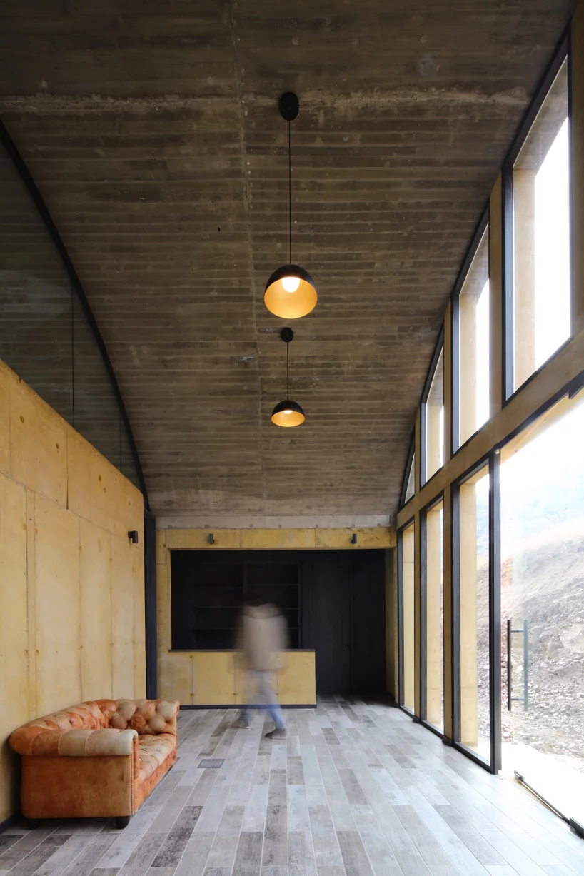 ofma-mapaa-family-office-chile-designboom-9.webp.jpg