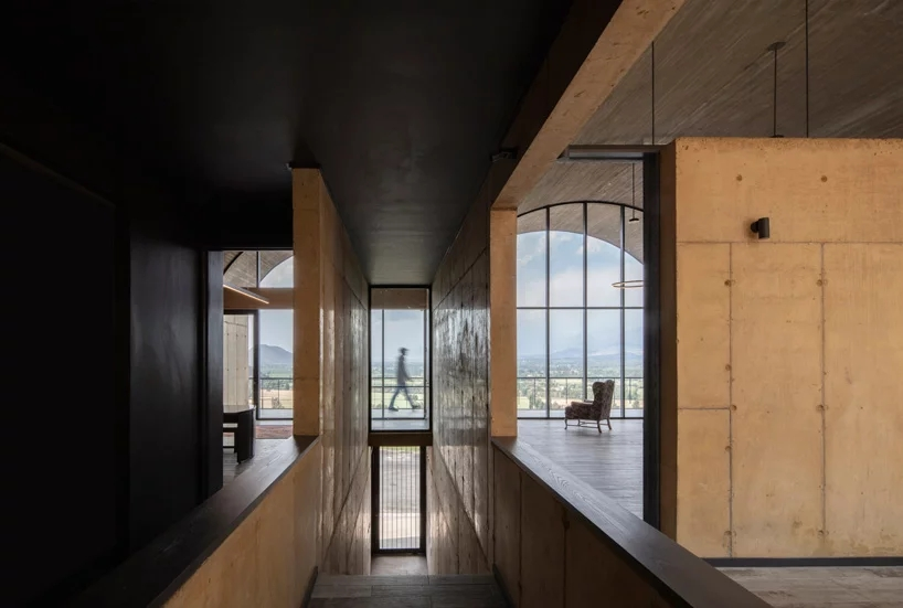 ofma-mapaa-family-office-chile-designboom-10.webp.jpg