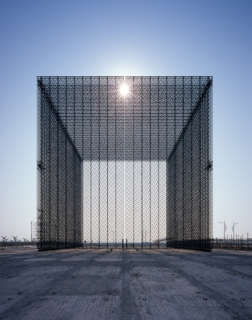 expo-2020-dubai-entry-portals-asif-khan-designboom03.jpg