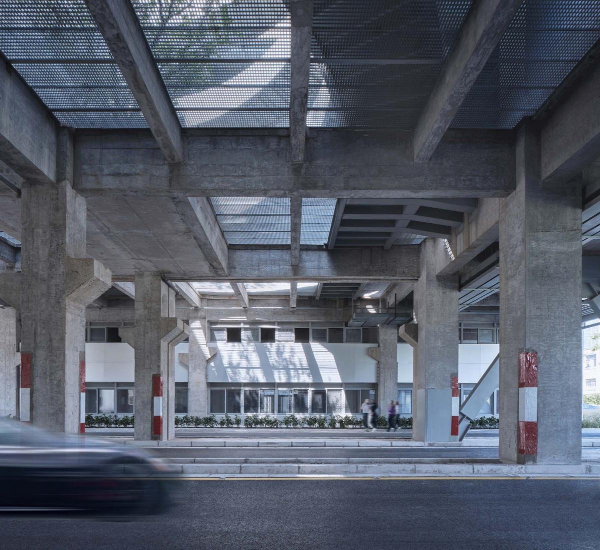 e1 _机动车道穿越建筑底层_调整大小.jpg
