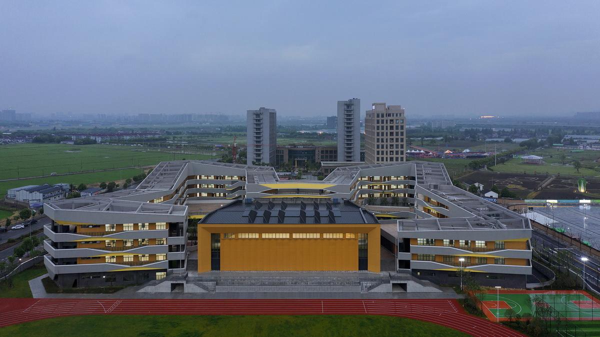 04 东侧鸟瞰 east aerial view©夏至 Xia Zhi_调整大小.jpg
